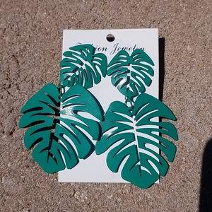 Fashion retro  leaf earrings
